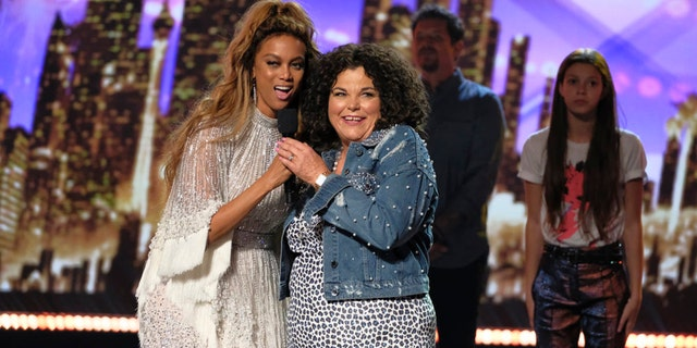 """AMERICA'S GOT TALENT --  """"Live Finale Results"""" Episode 1322 -- Pictured: (l-r) Tyra Banks, Vicki Barbolak -- (Photo by: Trae Patton/NBC)"""