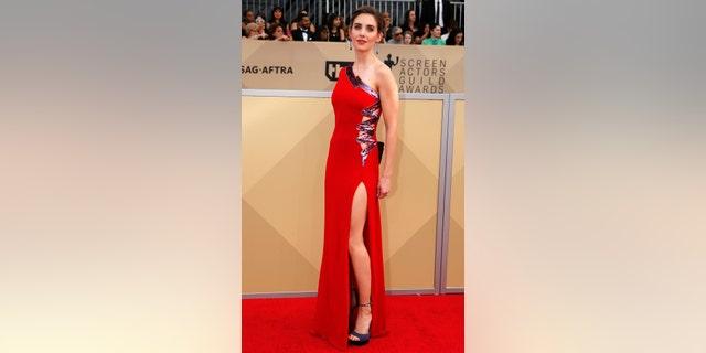 24th Screen Actors Guild Awards – Arrivals – Los Angeles, California, U.S., 21/01/2018 – Actress Alison Brie. REUTERS/Monica Almeida - HP1EE1L1RRE1O