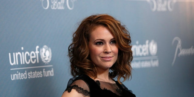 Alyssa Milano was forced to evacuate her home because of the Volcian fire.
