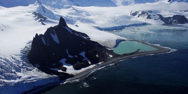 File photo - Glaciers are seen in Half Moon Bay, Antarctica, Feb. 18, 2018. (REUTERS/Alexandre Meneghini)