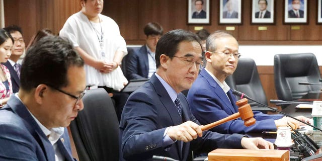South Korea on Thursday decided to resume humanitarian aid to North Korea to help children and pregnant women, but didn't determine when to provide the $8 million worth of assistance amid tensions created by Pyongyang's nuclear and missile tests.
