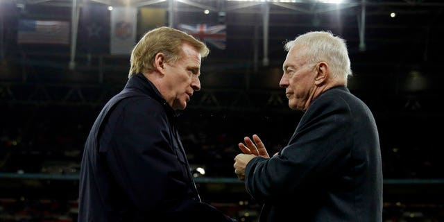 Dallas Cowboys owner Jerry Jones, right, has threatened to sue the NFL if negotiations regarding Goodell's, left, contract extension are finalized without approval from all NFL team owners.