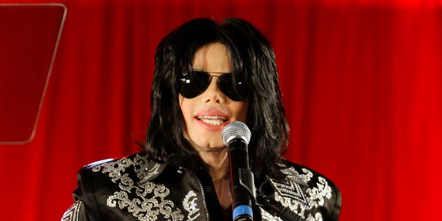 Sony Music Entertainment is denying reports claiming it admitted to using an impersonator on one of Michael Jackson's albums.