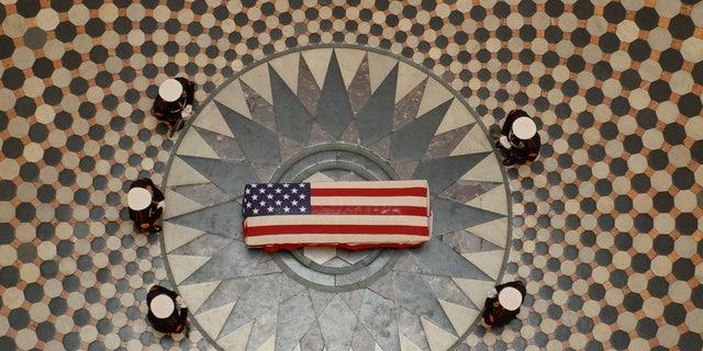 The casket of John Glenn at Ohio's capitol building in Columbus.