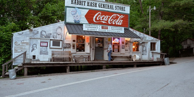 The Rabbit Hash General Store in 2014.