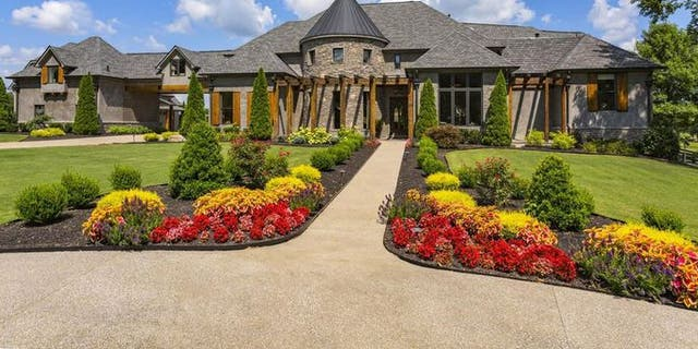 """Aldean and wife Brittany recently announced they're building their """"dream home"""" elsewhere in Tennessee."""