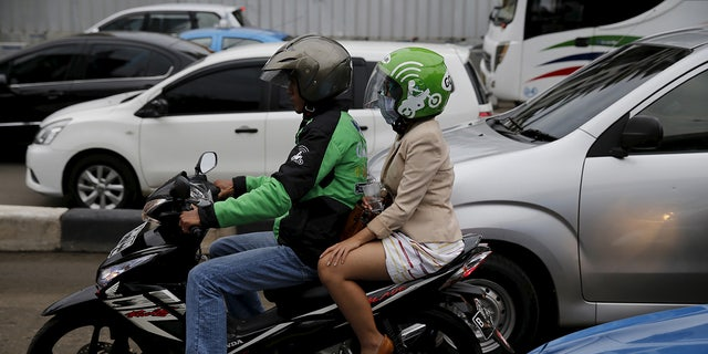 When the boy touched down in Bali, he rented a Go Jek scooter to get him to the hotel where to he lied to staff about meeting his sister.