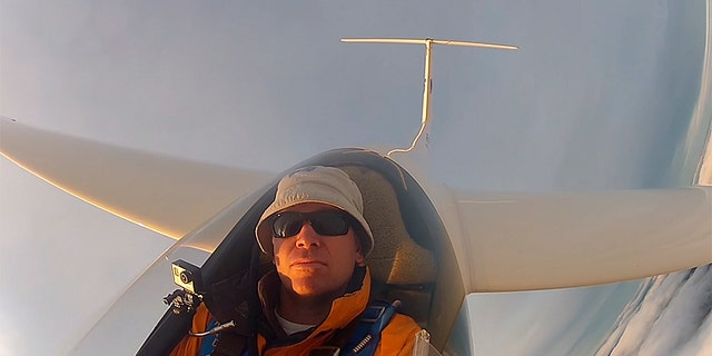 The 47-year-old, also a commercial airline pilot, reportedly had over 1,500 hours of flight time with gliders, specifically.