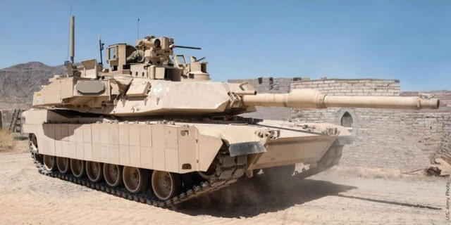 M1 Abrams tank with Trophy system (US Army)