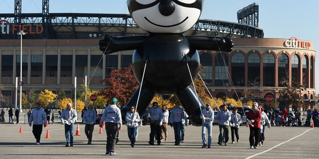 Felix the Cat was one of the parade's first cartoon floats.