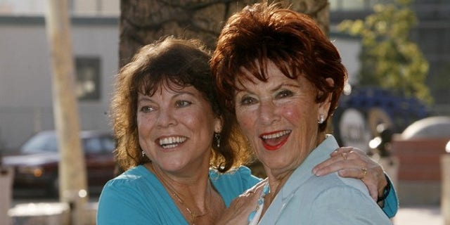 """Actresses Erin Moran (L) and Marion Ross from """"Happy Days"""" arrive at """"A Father's Day Salute to TV Dads""""  hosted by the Academy of Television Arts & Sciences in Los Angeles, California June 18, 2009. REUTERS/Fred Prouser (UNITED STATES ENTERTAINMENT)"""