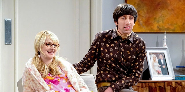 Pictured: Bernadette (Melissa Rauch) and Howard Wolowitz (Simon Helberg).