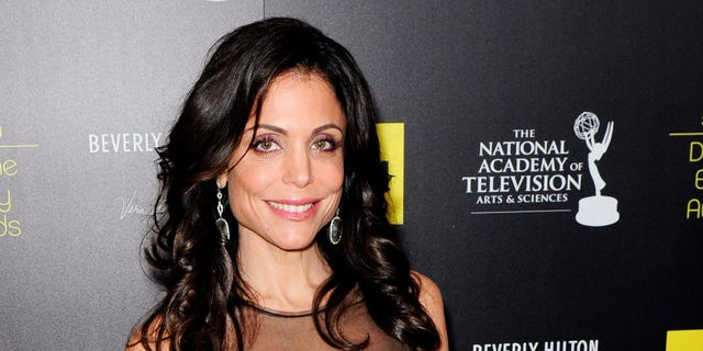 Television personality Bethenny Frankel arrives at the 39th Daytime Emmy Awards in Beverly Hills, California, June 23, 2012. REUTERS/Gus Ruelas (UNITED STATES - Tags: ENTERTAINMENT) - RTR34300