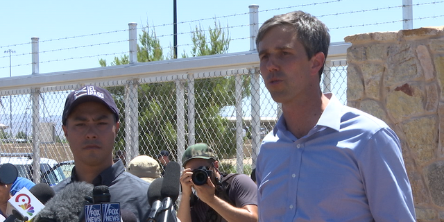 Rep. Castro and Rep. O'Rourke called on the government to develop a plan to reunite immigrant children with parents.