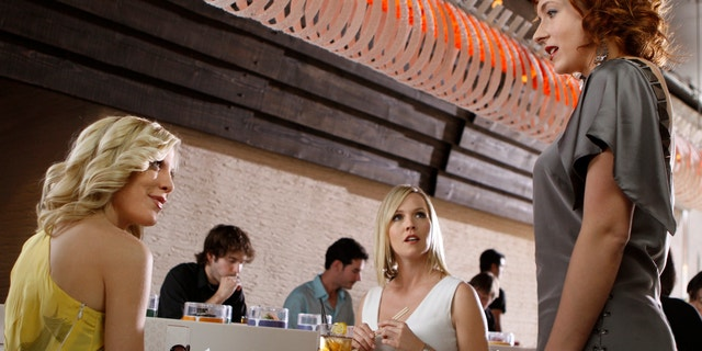 """90210 """"Welcome Home, Donna!"""" Pictured: Tori Spelling as Donna, Jennie Garth as Kelly, and Diablo Cody as herself. Photo Credit: Michael Desmond/The CW ©2009 The CW Network, LLC.  All rights reserved."""