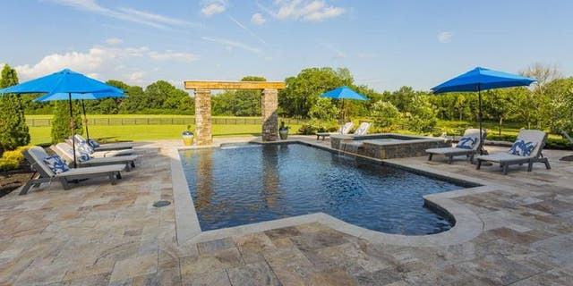 Country superstar Jason Aldean has listed his rustic, rambling estate in Columbia, TN, for $7.87 million.