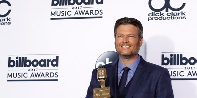 A young girl was excited to have the same textbook country music star Blake Shelton once had in 1982.