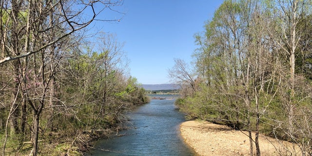Georgia's current border falls just 200 feet south of snagging a piece of the Tennessee River.