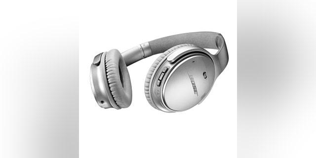Bose QuietComfort 35 wireless headphones (Bose).