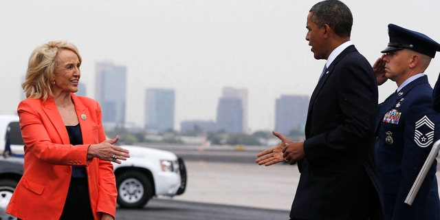 Unlike former Arizona Gov. Jan brewer, who despite disagreements over immigration met President Obama on the tarmac in 2012, California Gov. Jerry Brown has not extended the same courtesy to Trump.