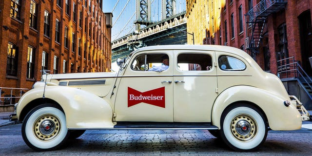In honor of their new offering, Budweiser is partnering with Lyft to give New Yorkers the chance to ride in a Prohibition-era car.
