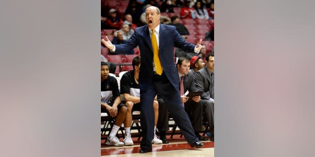 Vanderbilt Head Coach Kevin Stallings yells on the sideline during an NCAA college basketball game against Alabama, Tuesday, Jan. 7, 2014, in Tuscaloosa, Ala.  (AP Photo/The Tuscaloosa News, Michelle Lepianka Carter)