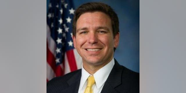 The Florida Legislature sent Gov. Ron DeSantis a high-profile Republican bill on Thursday banning sanctuary policies that protect undocumented immigrants and requiring law enforcement officials to cooperate with federal immigration authorities. (FILE)