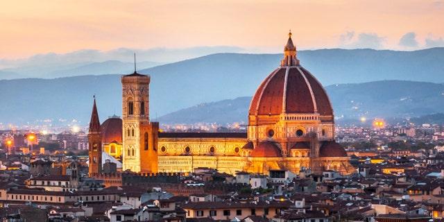 Cathedral of Santa Maria del Fiore (Duomo) at dusk, Florence, Italy
