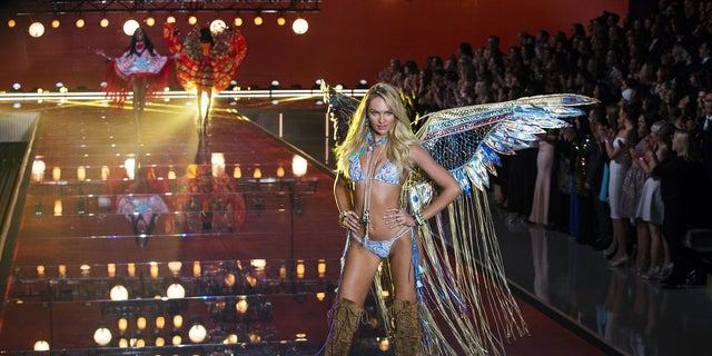 The 2017 Victoria's Secret Fashion Show is expected to include Candice Swanepoel.