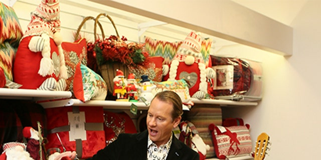 Carson Kressley on the hunt for holiday gifts.