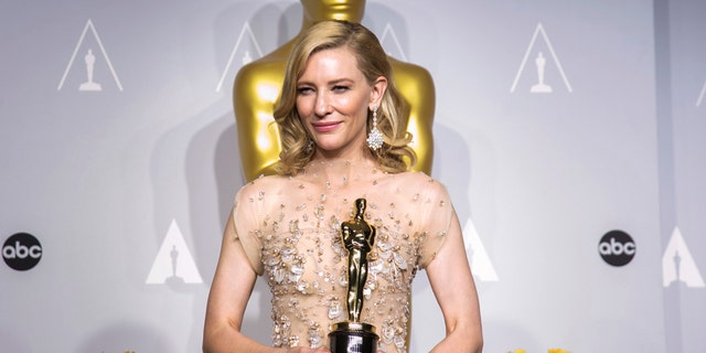 Blanchett at the 2014 Academy Awards.