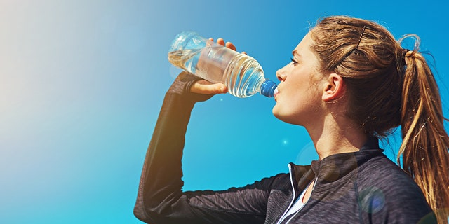 People who drank two cups of water 30 minutes before meals for three months dropped nearly three more pounds than people who didn't pre-hydrate.