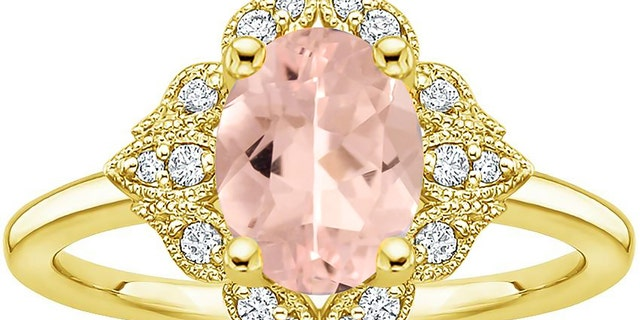 The Morganite Windsor Diamond Ring is a serious lookalike to Princess Eugenie's.