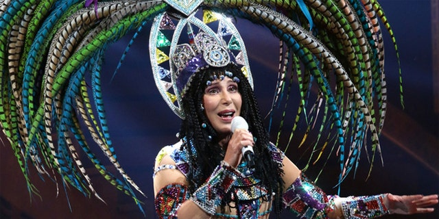 The Times did report that Cher's fans roared their approval when she ridiculed Trump.