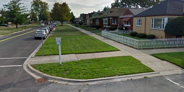 The 8600 block of South Calumet Avenue, where police say an unidentified woman's body was found in a shopping cart.