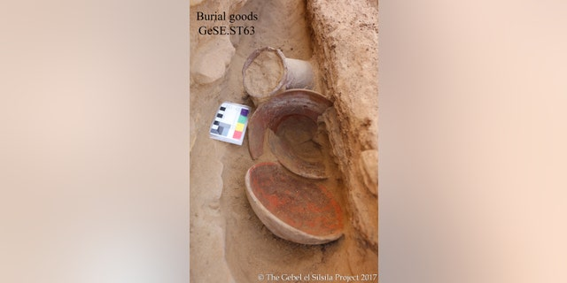 Burial goods discovered at one of the child graves at Gebel el Silsila (Copyright: Gebel el Silsila Project)