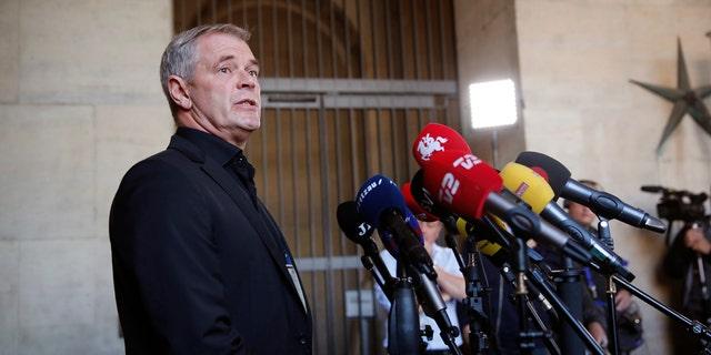Copenhagen police homicide chief Jens Moeller speaks at a press conference.