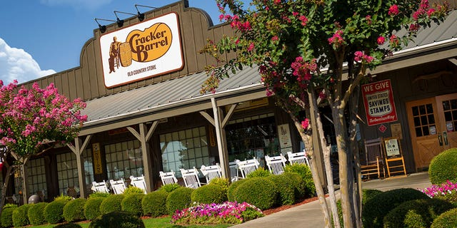 Police in Florida are currently looking for the driver who assaulted a Cracker Barrel worker.