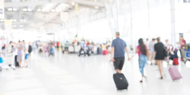 Worried about the cost of flying this Thanksgiving? Here's what to do.