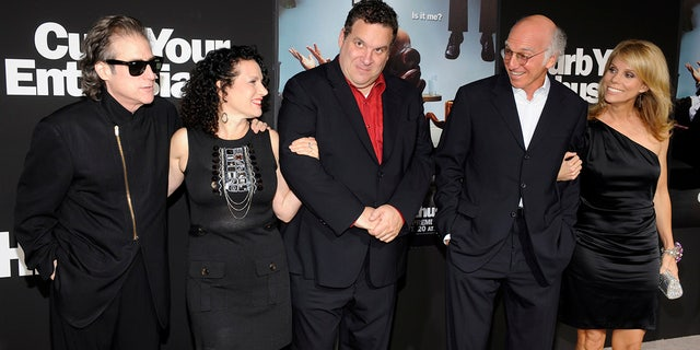 """Cast members Richard Lewis, Susie Essman, Jeff Garlin, Larry David and Cheryl Hines (L-R) attend the premiere of the seventh season of the HBO series """"Curb Your Enthusiasm"""" in Los Angeles September 15, 2009."""
