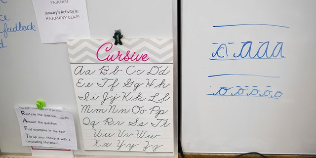 Texas elementary school students in all state school districts will be required to learn how to write in cursive beginning in the 2019-2020 school year.