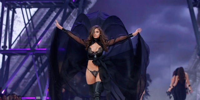 Victoria's Secret Angel Taylor Hill will appear in the fashion show.