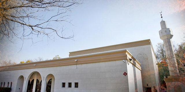 The Dar Al Hijrah Islamic Center is seen in Falls Church, Va., Sunday, Nov. 8, 2009. (AP Photo/Jose Luis Magana)