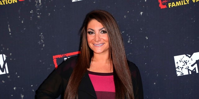 """Deena Cortese stood up for Sammi """"Sweetheart"""" Giancarlo in her absence."""