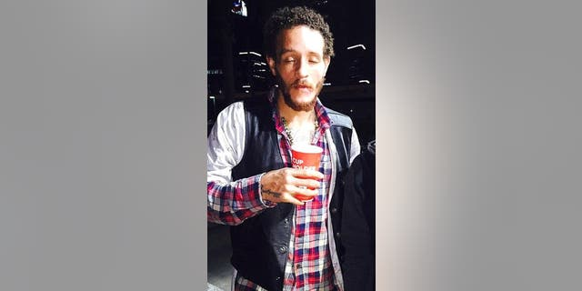 Photos of Delonte West appeared on social media this weekend after a fan spotted him wandering around a parking lot without shoes.