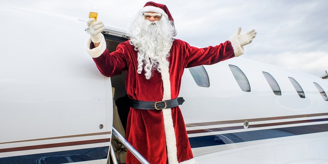 Fear not, Christmas lovers - Saint Nick's Dec. 25 visit will in no way be delayed.