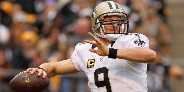 PITTSBURGH, PA - NOVEMBER 30: Drew Brees #9 of the New Orleans Saints plays against the Pittsburgh Steelers during the game on November 30, 2014 at Heinz Field in Pittsburgh, Pennsylvania. (Photo by Justin K. Aller/Getty Images)