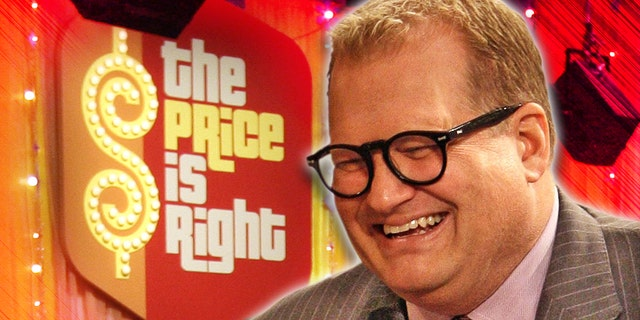"Comedian Drew Carey, new host of the game show ""The Price is Right,"" talks with the audience during a break in taping of the game show at CBS's Bob Barker Studio in Los Angeles Thursday, Oct. 4, 2007. (AP Photo/Kevork Djansezian)"