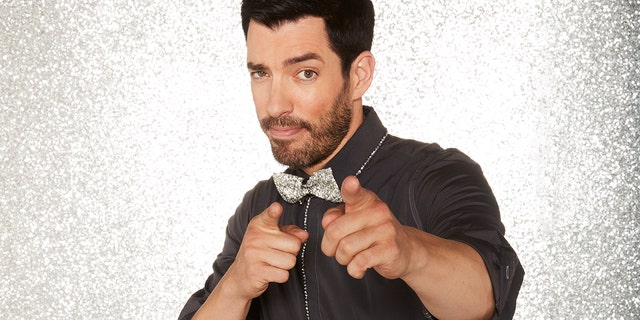 """Drew Scott competes on """"Dancing with the Stars."""""""