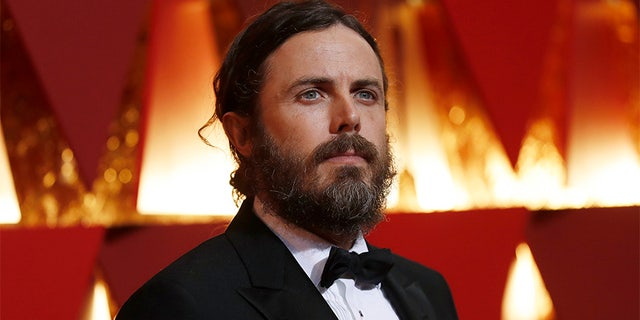 "Despite winning an Oscar, court documents obtained by <a href=""http://people.com/movies/casey-affleck-discloses-400k-yearly-salary-divorce-docs/"" target=""_blank"">People Magazine</a> revealed Casey Affleck's annual salary is only $400K, which is surprisingly low by Hollywood standards. The actor and director is 42."